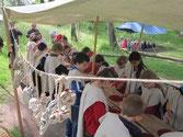 l'artisan du cuir, atelier pédagogique réalistaion d'une bourse en cuir.