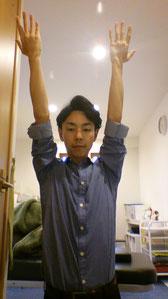 絵を描いて肩がこった奈良県大和高田市の男性