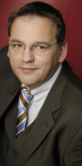 20 Jahre Erfahrung in Gala, Event, Podiumsdiskussion, Radio, Messe- und Kongress-Moderation: Ulf Hofes