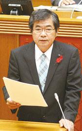高嶺善伸氏が県議会11月定例会で代表質問を行った=3日午後、県議会
