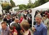 Gäste beim Spanischen Sommerfest /10jährigen Jubiläum 2011 im Innenhof des Tanzstudio La Fragua in Bonn/Color-Foto by Boris de Bonn