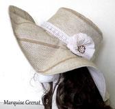 photo-capeline-ecru-beige-blanche-a-fleur-sur-le-cote-