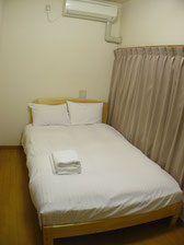 Semi-Double Room    5500yen for 2 person