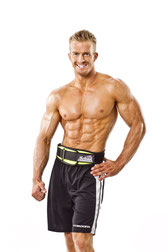 Jason Ellis mit Schiek Gewichthebergürtel Modell 2004. Schiek ist Made in USA. Schiek Gürtel haben 2 Jahre Garantie. Schiek wird von Profisportlern empfohlen