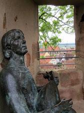 Burg Abenberg, Wolfram-Statue