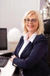 Frau Alexandra Wiedemann