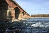 Ponte Valenza mit Wehr
