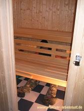 Garten Sauna selbst gebaut Blockhaus Innenausbau