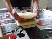 puis le tiers restant afin d'avoir 3 épaisseurs de pâte.