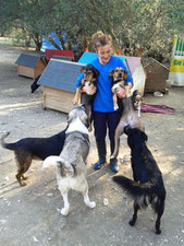 Und Teodora mit den Zwergen und unseren Fellnasen in der Notstation