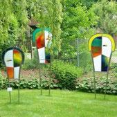 Glaskunst im Garten der Kunstberatung Bild und Raum