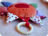 мягкие игрушки в кровату для самых маленьких