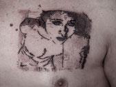 """gravure-tatouée par Laurent """"Baron Rouge"""" Paris"""