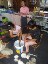 Fabrication des savons.