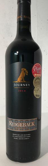 Ridgeback Journey – 2014 Der Ridgeback Journey ist ein eleganter Wein, der in der Nase und am Gaumen ein großes Spektrum an dunklen Früchten bietet. Leichte Anklänge an Mint und Leder. Dieser Wein ist perfekt ausbalanciert und hat seidige Tannine und eine