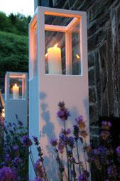 Windlicht aus Holz mit Glaseinsatz