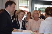 Besuch der Bundesministerinnen Fr. von der Leyen und Fr. Wanka und Herr Dorgerloh (Präsident der KMK) am BMBF-Stand mit Ki.SSES-Präsentation
