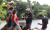 Pedro Vernet, el gran experto en tortugas marinas, dictando un curso de su especialidad, en nuestra Estación.