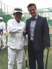 谷沢健一氏とホイットニーコーチ