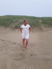 Andrea Löffler am Strand