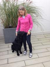 Bild: Trüffelhund Jabbar und Trüffeljägerin Marianna Ott