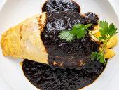 さつま黒豚黒カレーオムライス trattoria葡萄乃樹