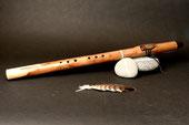 Flöte aus Olive mit Bergahorn, Stein-Malachit, Ton Cis, 432 Hz