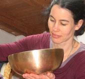 Dr. Lucia Schaffer, Klangmassage und Bachblüten für Mensch und Tier