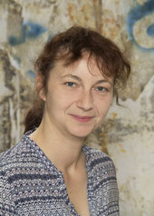Elke Gruber, Schulassistentin 4a
