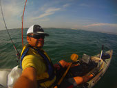 moniteur guide de pêche en kayak en méditerranée