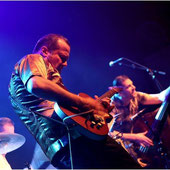 Walter Broes ist in der internationalen Roots- Musikszene kein Unbekannter. Er war Frontmann der belgischen Rock & R-Band The Seatsniffers. Walter Broes & the Mercenaries spielen  Rock´n-Rhythm & Blues mit stotterndem Rockabilly und harten Gitarrenriffs.