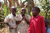 Sorriso di due bambine adottate a distanza