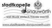 Stadtkapelle und Musikbund feierten – tausende Besucher kamen! Mit einem Großkonzert und einer Marschmusikparade präsentierten sich die Stadtkapelle Donauwörth und der Allgäu-Schwäbische Musikbund gemeinsam zu ihrem Doppeljubiläum. Das Orchester feierte i