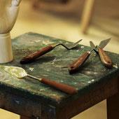 Espátulas para mezclar y crear efectos de relieve y texturas.