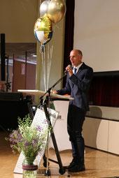 Herr Munk leitete wie seit Jahren souverän durchs Programm