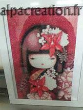 Broderie diamant poupée japonaise