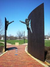 Памятник миру в Индианаполисе (Индиана)