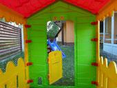 Domek zabawowy dla dzieci.