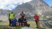 Foto di gruppo al secondo lago di Tschawiner m. 2179