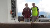 Foto di gruppo alla cappella del Pian Cavallone