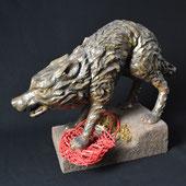 Der Wolf und das böse Rotkörbschen, Gips auf Holz, Alexandra Kapogianni-Beth, www.bildhauerwerke-ak.de