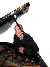 Pianist Holger Mantey