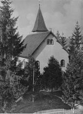 Die kleine katholische Kirche an der Neuffenerstraße vor dem Abbruch 1960 (Quelle: StANT)
