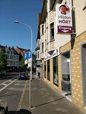 Der Eingang von Hilden HÖRT