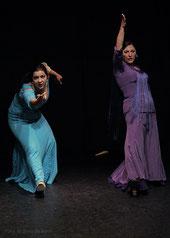 Bühnenauftritt der Flamencotänzerinnen Rosa Martínez & Simi beim spanischen Sommerfest 2011 im Tanzstudio La Fragua in Bonn/Color-Foto by Boris de Bonn