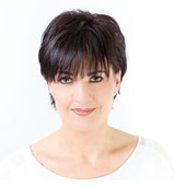 Elite Linergistin Carolin Kurz Spezialistin für Permanent Make-up