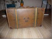 Koffer mit K.R. 181 bedruckt