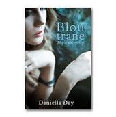Die jeugboek, 'Blou trane' verskyn by Lapa Uitgewers. Daniella Day het die Algemene Kreatiewe Skryfkursus by die Skryfgeheime-skryfskool voltooi.