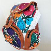 Tasche für Wanderung, Rucksack, Tasche aus Mexiko, Rucksack mit Leder aus Mexiko, Mexikanischer Rucksack, Rucksack mit Stickerei, Rucksack mit Blumen, Backpack, Schultertasche aus Mexiko, bestickter Rucksack