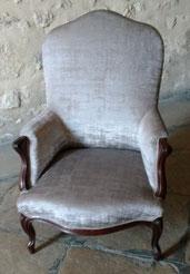 fauteuil Louis-Philippe rénové par l'atelier de Sylvie